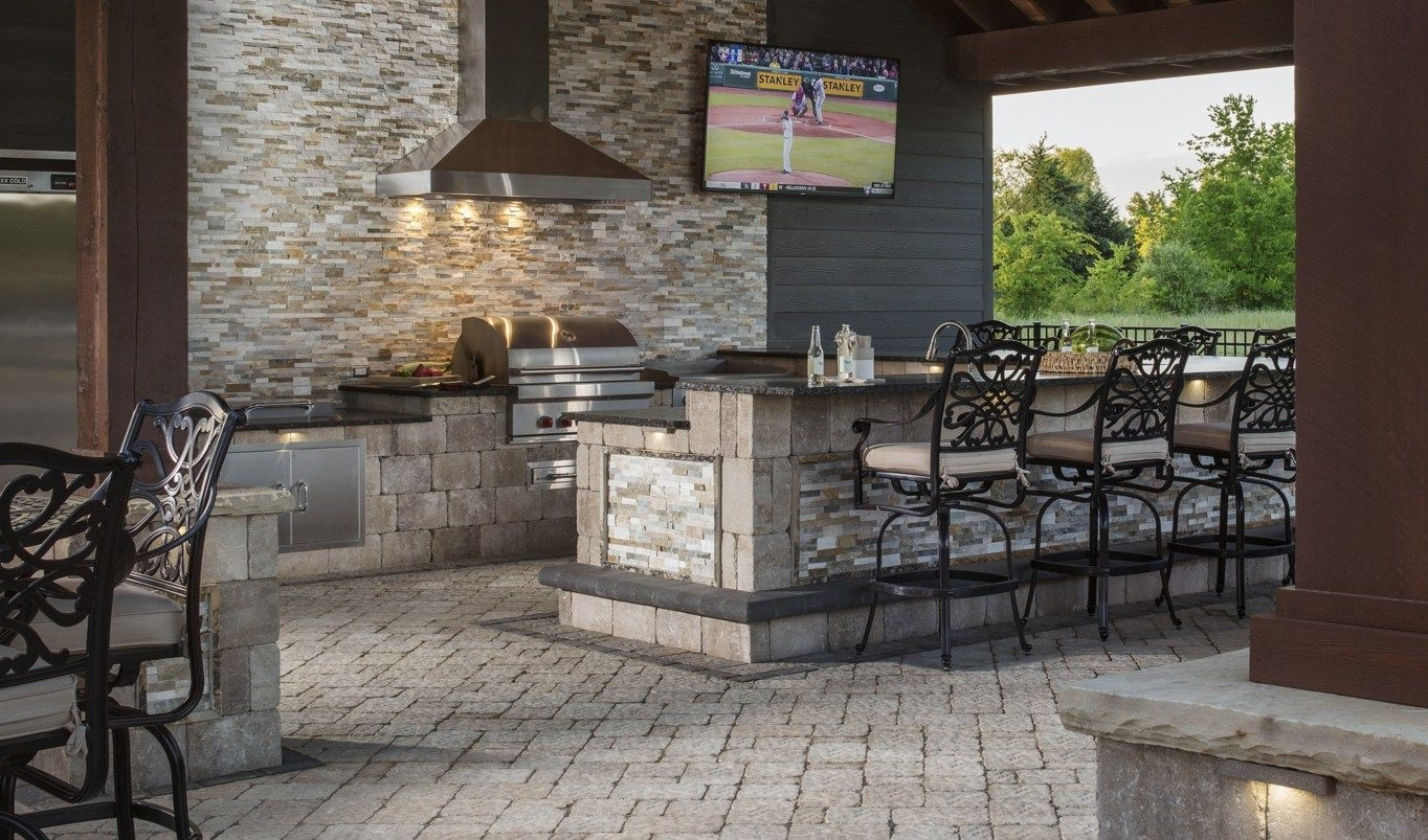find out whats cooking in the latest outdoor kitchen design