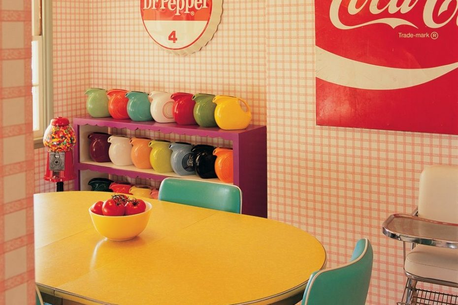 turn your midcentury dining room into a colorful retro diner